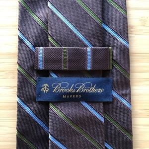 Brooks Brother Makers Silk Tie In Earthtone Brown!